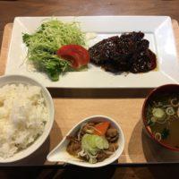 千葉駅西口ランチ「ホルモン酒場 まなぶちゃん家」の 神内和牛 ハラミ定食
