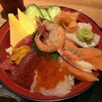 千葉駅西口ランチ 平日の遅いランチにおすすめ!?「北海道鮮魚水産」特選海鮮丼