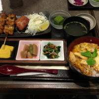 イオン成田1F 大山鶏を使った焼き鳥と親子丼のお店 ほっとや